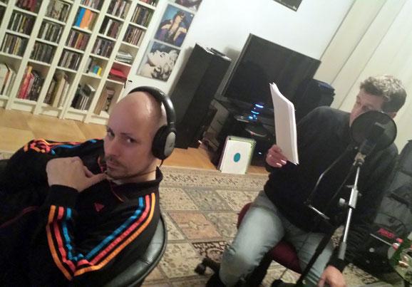 """Lars Gebhardt im Schrottgrenze Tonstudio bei den Aufnahmen zu """"Die Reise zur grünen Fee"""""""