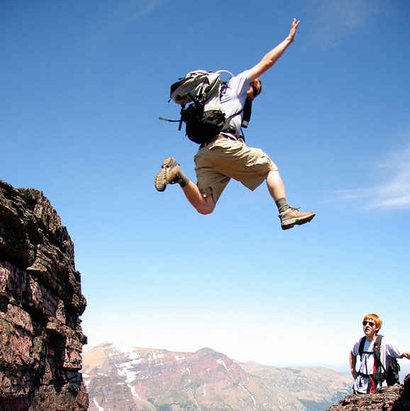прыгающие люди в фотографии-23