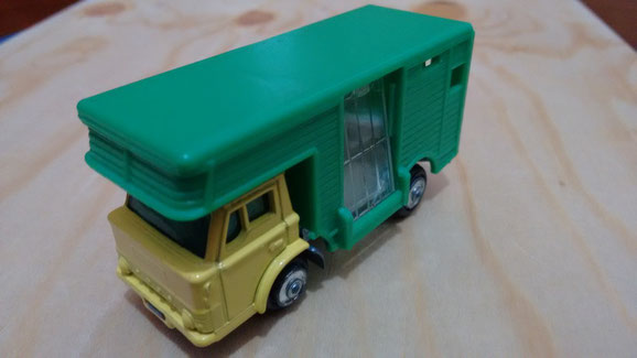 FORD CAMION ANIMALES