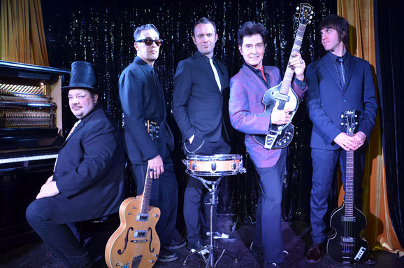 Tav Falco Panther Burns aus Memphis/Tennessee  gehören mit ihrer ureigenen psychedelischen Auslegung amerikanischer Roots-Music zu den Pionieren des trashigen Blues und Rock'n Roll. Foto: Maria Feranda De Freitas