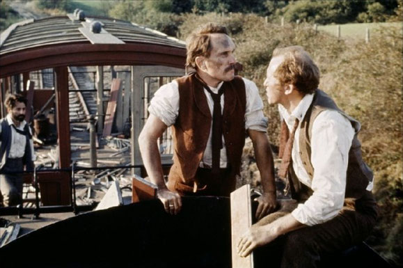 Prendre le train, c'est salissant ! Et fatiguant.