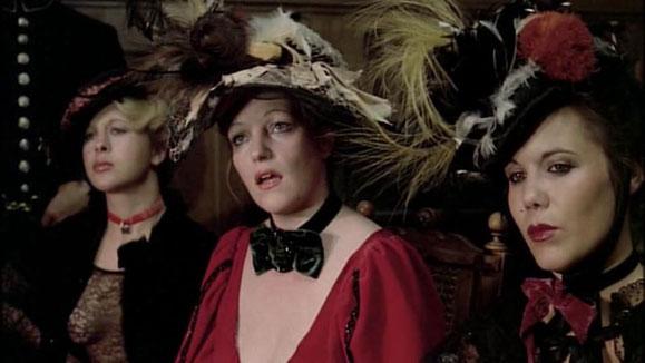 Que voilà des prostituées bien vêtues !!