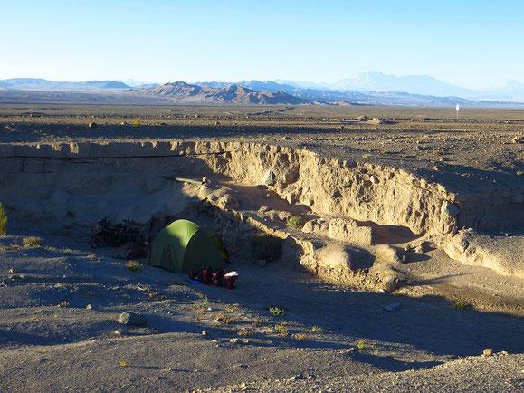 Nicht einfach, einen windgeschützten Zeltplatz zu finden.