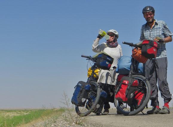 Heisse 200 Kilometer zwischen Maschad und Seraks.