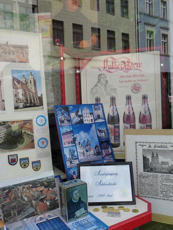 Der grosse Reformator muss für vieles herhalten. Bier, Münzen, Karten, Kleber usw.