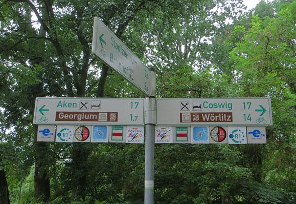 In Deutschland gibt es eine Vielzahl von Radwegen.