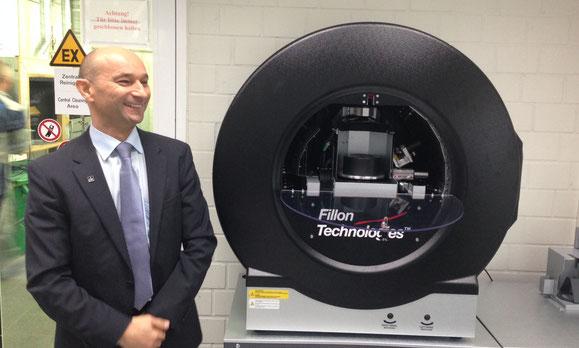 Enzo Santarsiero, PDG d'André Koch SA, mise sur le système de dosage entièrement automatique Daisy Wheel, fabriqué par Fillon Technologies.