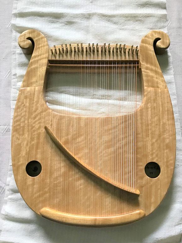 竪琴 ライアー てるる詩の木工房 竪琴購入 ライアー制作 音楽療法 コンサートライアー クロマチックライアーあやはべる 9弦 32弦 39弦 leier lyre