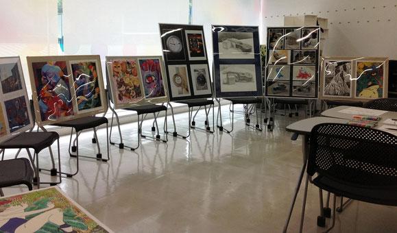 クリエィティブアート科作品展示による説明会場