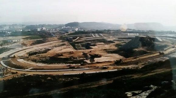 INICIO CONSTRUCCION DE LA PLAZA ELIPTICA DE LOS ROSALES EN LA PRIMERA MITAD DE LOS AÑOS 90.