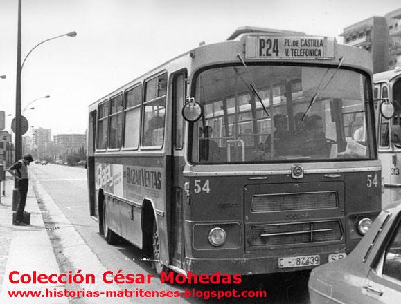 CURIOSO VER UN PEGASO CASTRO CARIDE URBANO DE MADRID CON MATRICULA DE LA CORUÑA