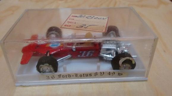 AQUI EL FORD LOTUS F1 8V 49B COLOR ROJO en su caja original con su precio de la epoca