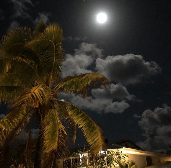 View of the full moon at Kii Kii Inn & Suites