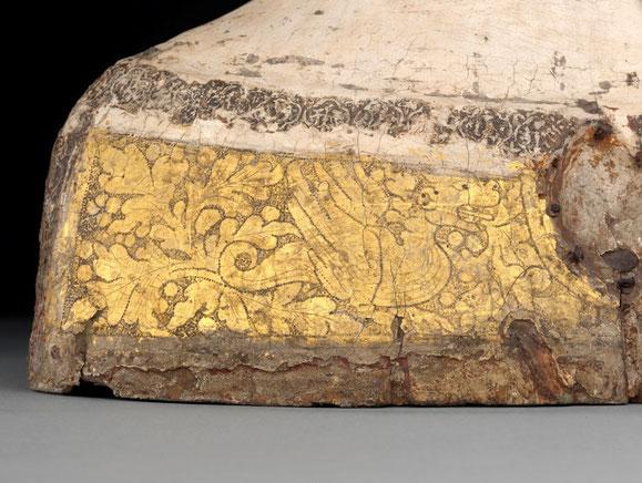 Detail Borte, Reliquienbüste einer Heiligen, Oberrhein, um 1300. Foto: Antje Voigt