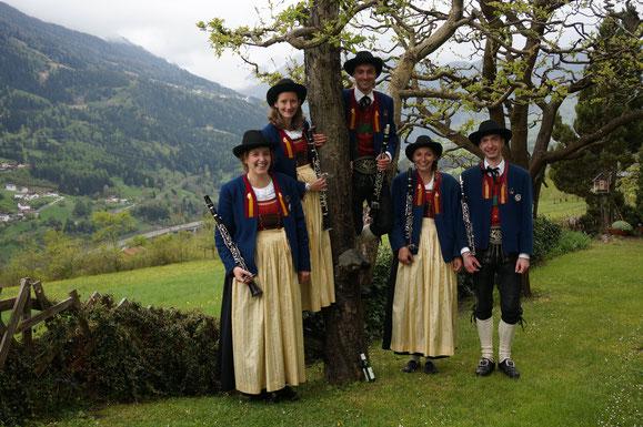 (von rechts): Zangerl Christof, Walch Maria,  Fleisch Martin, Alexandra Grill, Kössler Maria