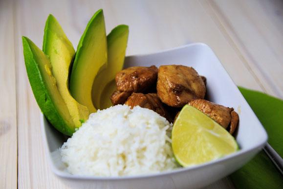 Rezept für Steamer und Dampfgarer: Poulet, Avocado und Reis an Teryaki-Sauce