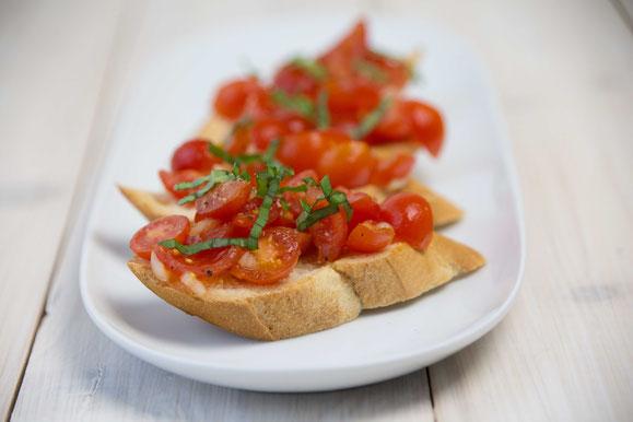 Steamhaus - Rezept für Kombi-Steamer und Dampfgarer: Tomaten-Bruschetta.