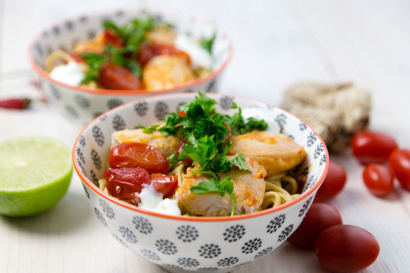 Steamhaus - Rezept für Kombi-Steamer und Dampfgarer: Asia-Nudeln mit Chili-Rhabarber Poulet.
