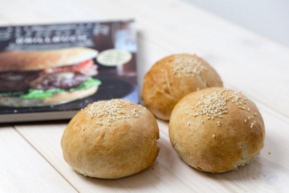 Steamhaus - Rezept für Kombi-Steamer und Dampfgarer: Burger-Buns mit Seasam.