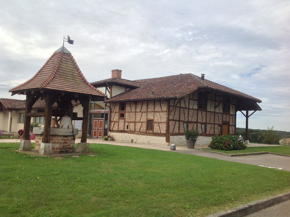 Ferme-mairie de Garavand à Beny
