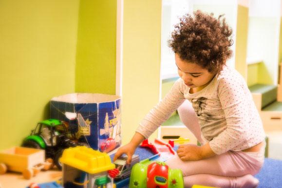 mädchen-im-vinco-heilpädagogischer-kindergarten-vielfalt