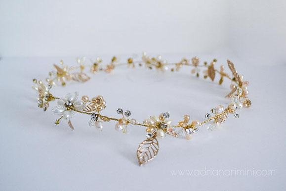 coronita novia, tocado novia, corona de hojas, tocado perlas