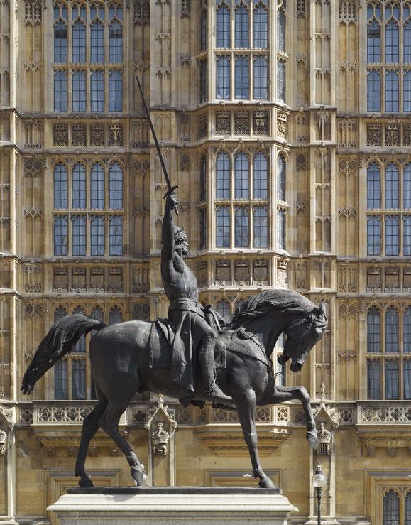Reiterstandbild Richard Löwenherz vor dem Parlament von London von Baron Carlo Marochetti, 1860, in London. Foto: Dennis Gilbert
