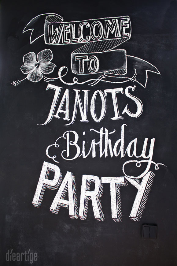 dieartigeBLOG - chalkboard, chalk lettering, Tafel-Schrift, birthday party decoration