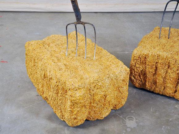 Ernte, Steinzeugton, Glasur, Mistgabel, 195x143x94 cm