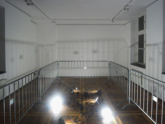 Eva, Steinzeugton, Glasur, Matratzen, 36x148x202 cm