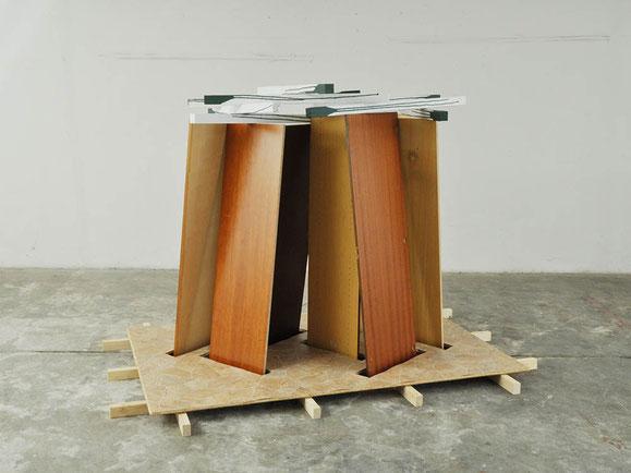Fügung, Holz, PVC, Styropor, Lack, 161x244x162 cm