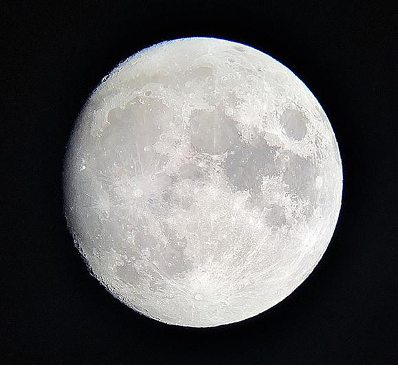 大分から観測した月の画像
