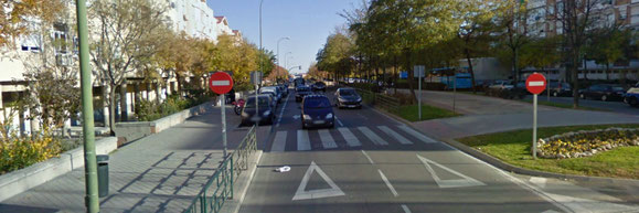Paso de peatones sin semaforo en Villablanca