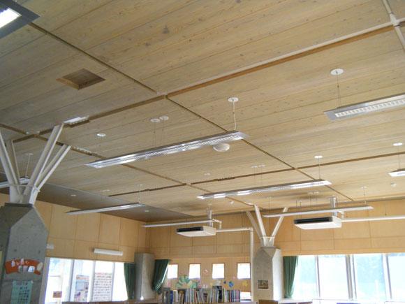 2007年 校舎の天井にCLTを使用