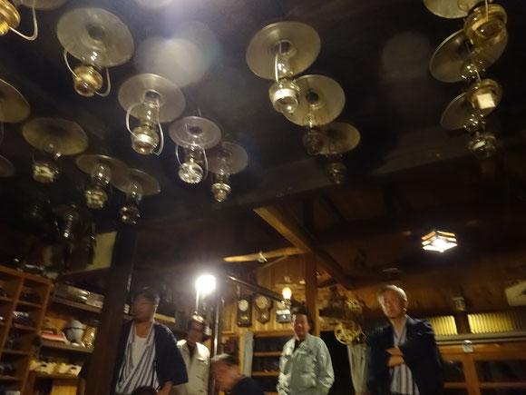 出迎えてくれたたくさんのランプ