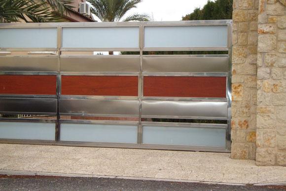 puerta de acero garaje casa de huerta