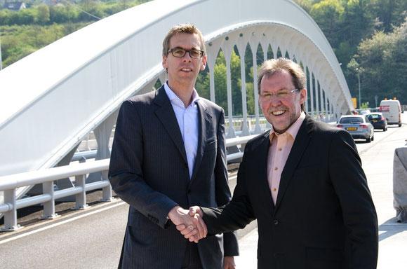 Bürgermeister Hans Dostert und Bürgermeister Léon Gloden