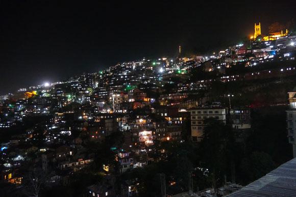 ... und Shimla bei Nacht