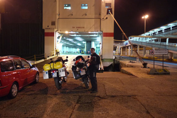 Im Fährhafen von Almeria