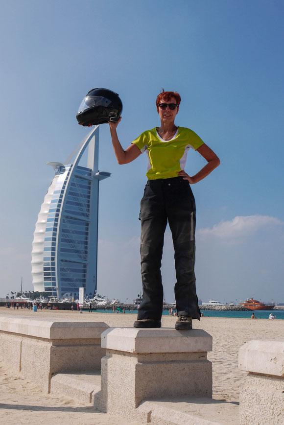 endlich mal ein passender Hutständer ;-): das Burj al Arab