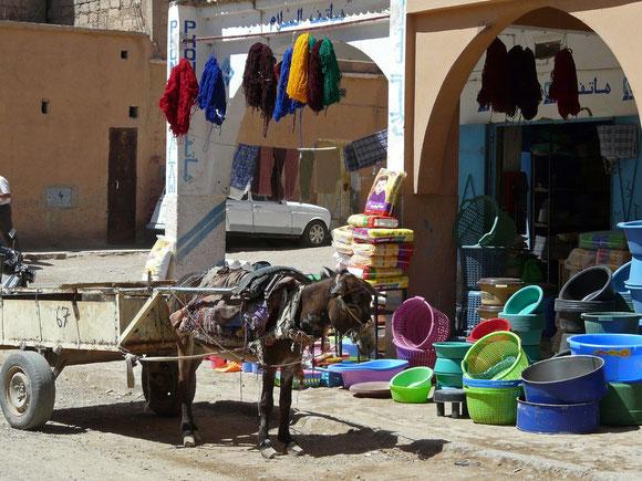 An der Hauptstrasse in Agdz