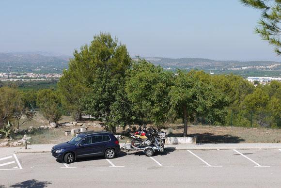 Die Moppeds dürfen sich ausruhen.... irgendwo in Spanien an der Autobahn