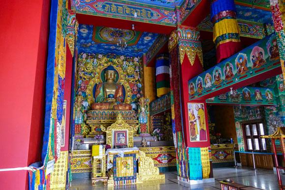 Im Innenbereich der Padmasambhava Statue.