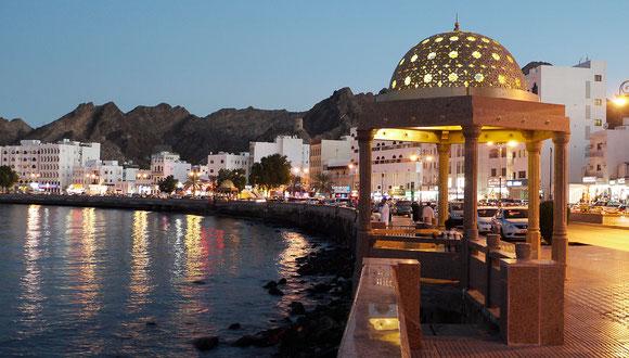 die Corniche am frühen Abend