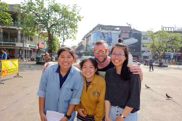 Schülerumfrage in Chiang Mai