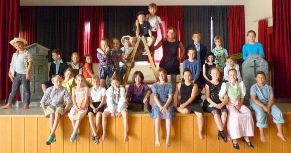 """Theater-Gruppe """"Tom Sawyer"""" unter der Leitung von Andrea Pietzonna"""