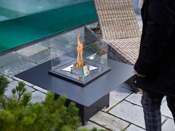 Pelmondo Cube Tischplatte Pellets Feuermöbel Haus Stamp Seeth Outdoorliving Terrasse