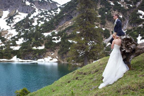 Brautpaar am Gaißalpsee beim Rubihorn im Oberallgäu
