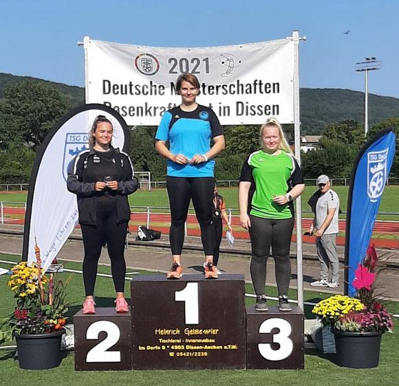 Katharina Schiele (Mitte) - zweifache Deutsche Meisterin!