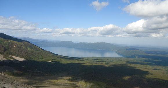 支笏湖を望む